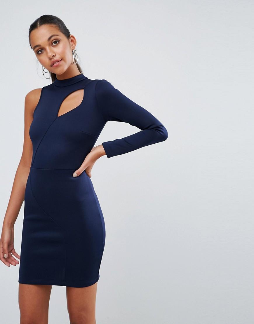 платье на одно плечо с длинным рукавом