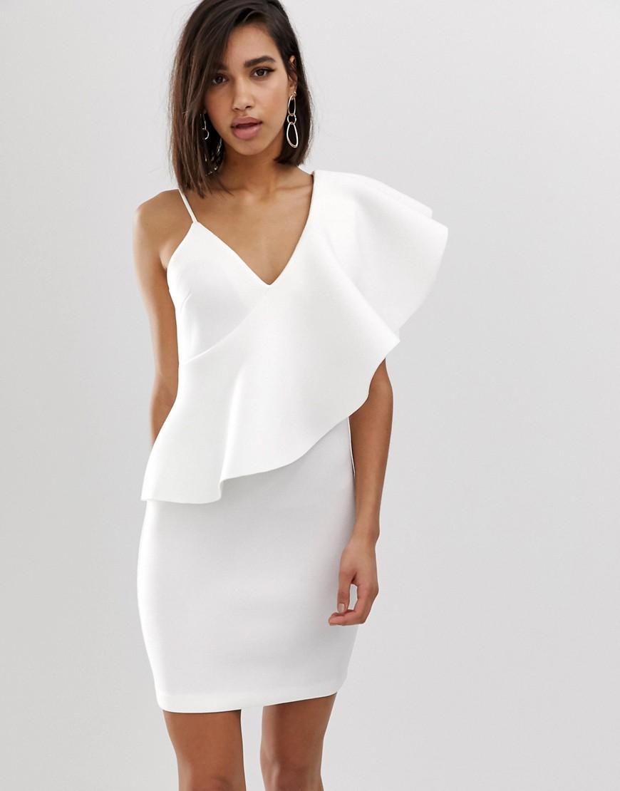 платье на одно плечо белое
