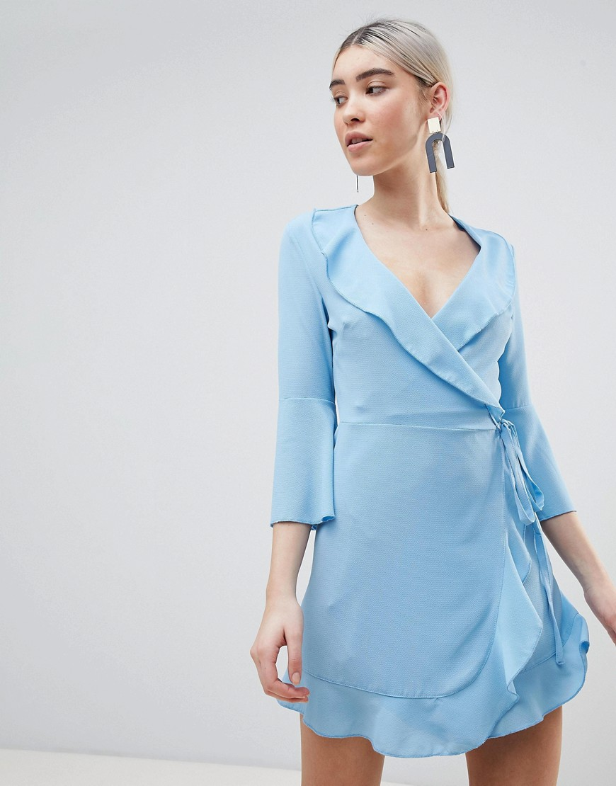 платье с запахом голубое