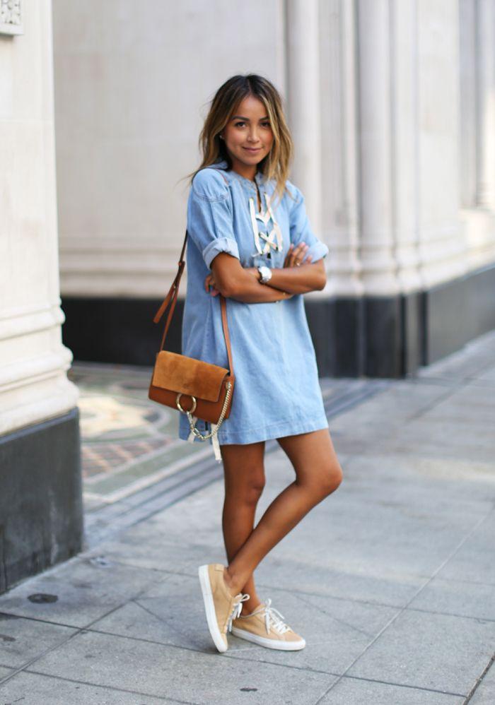 голубое платье кеды