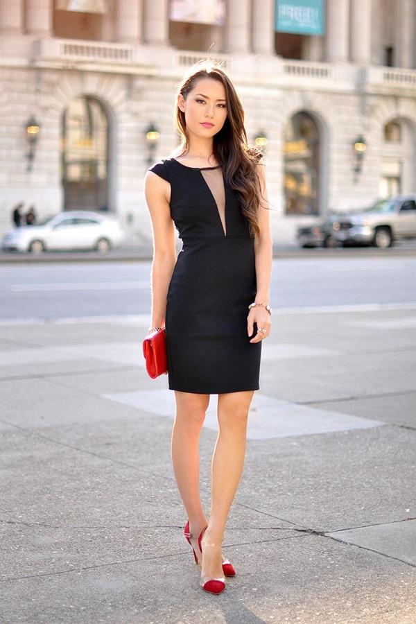 платье футляр с клатчем