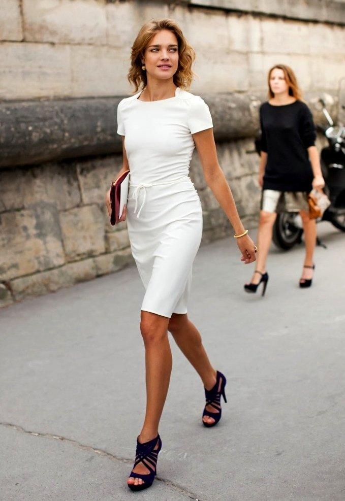 платье футляр с босоножками