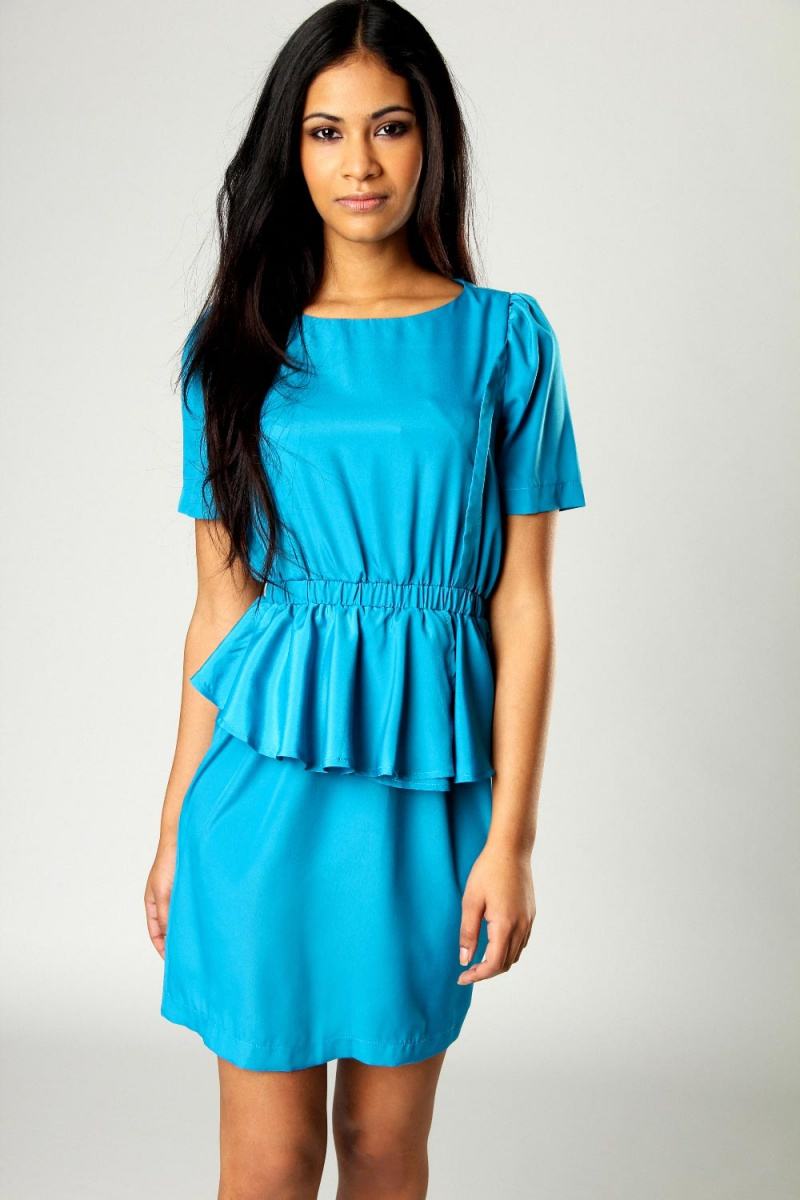платье с воланом на талии