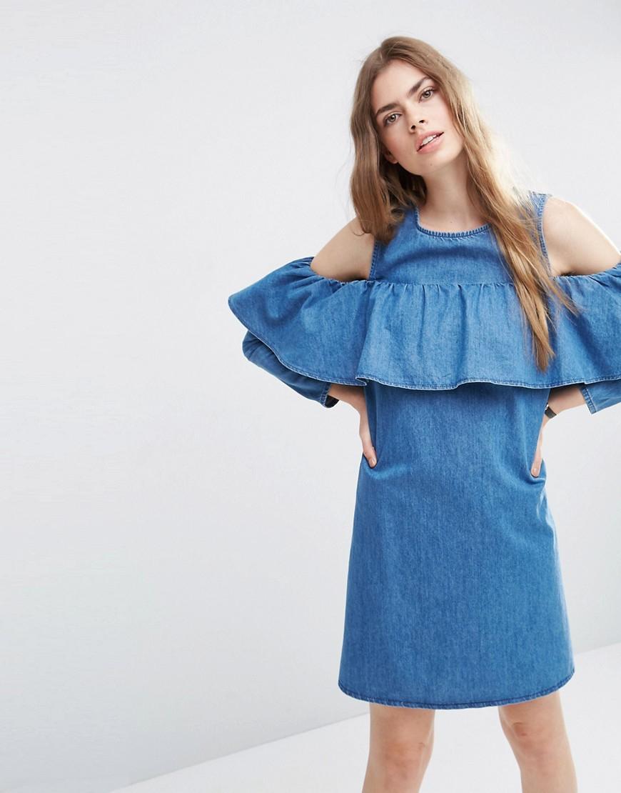 платье с воланами джинсовое