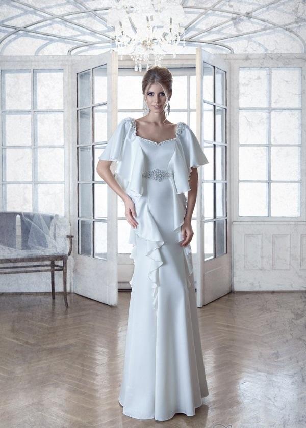 свадебное платье с воланами на плечах