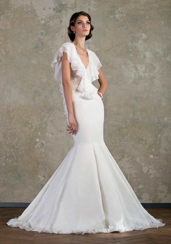 свадебное платье с воланами на рукавах