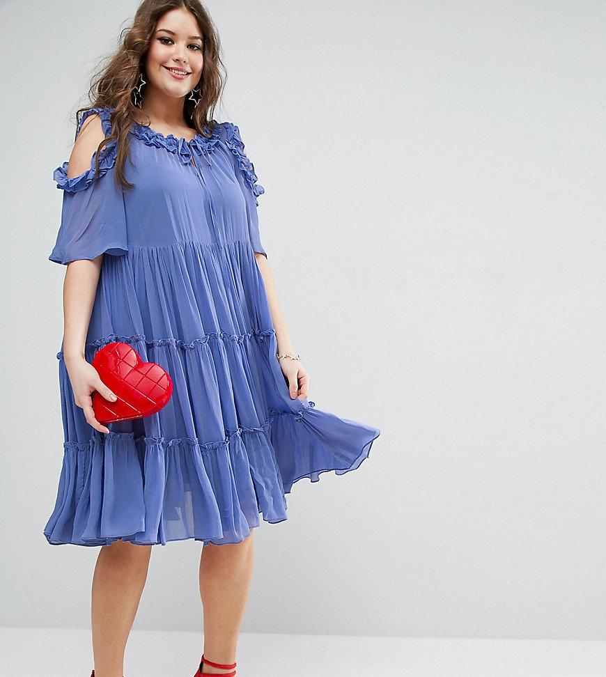 платье с воланами для полных женщин
