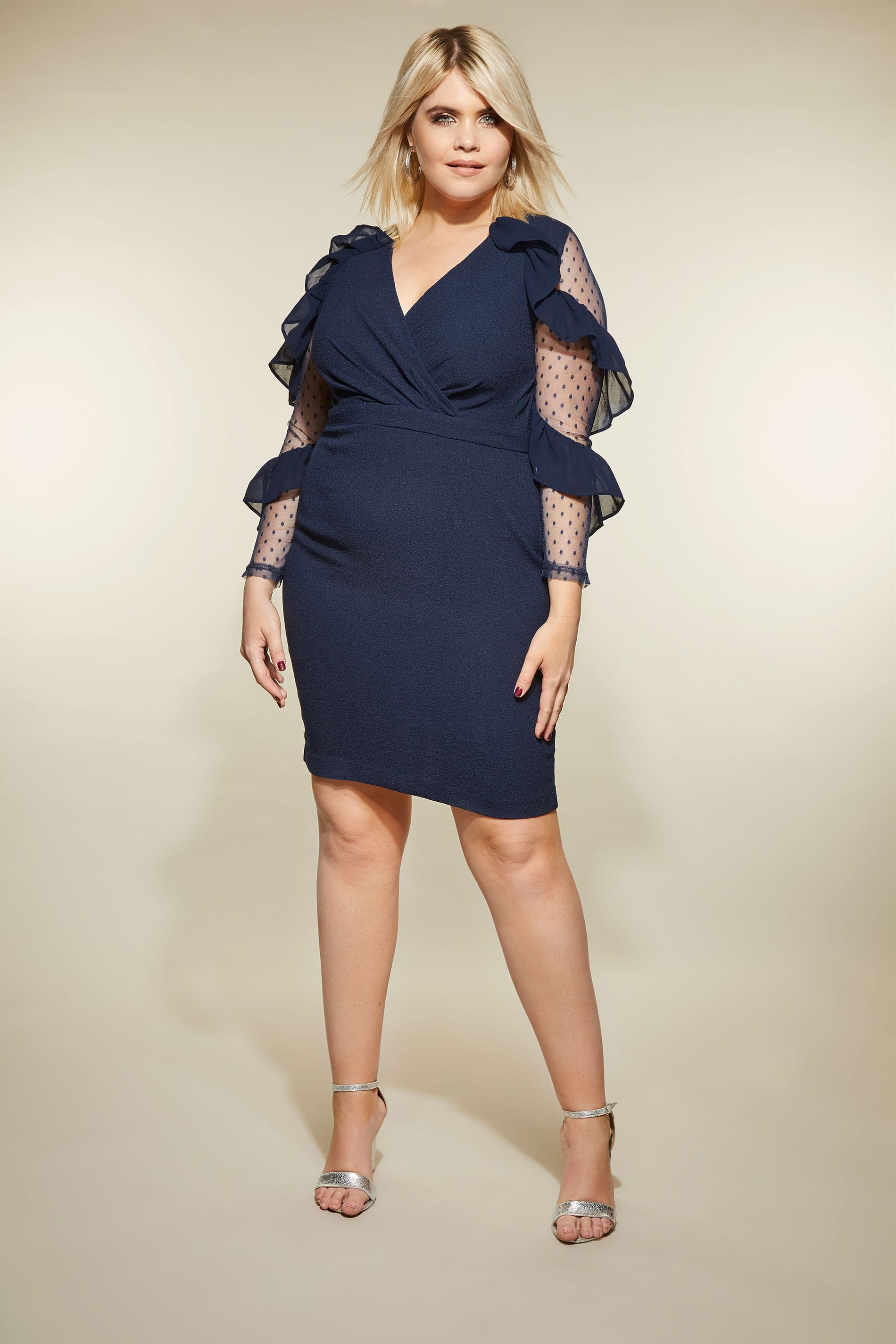платье с воланами для полных женщин синее
