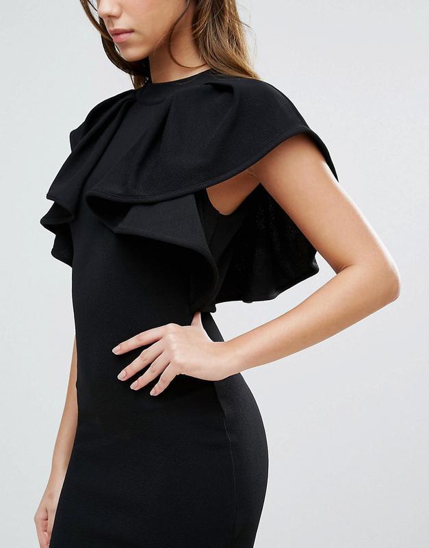 платье с воланами черное