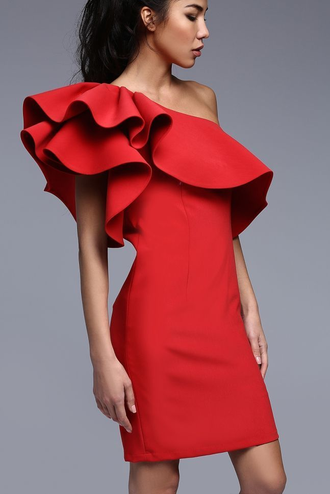 платье с воланами красное