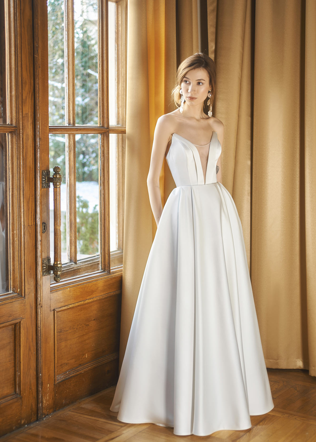платье а-силуэта свадебное с корсетом