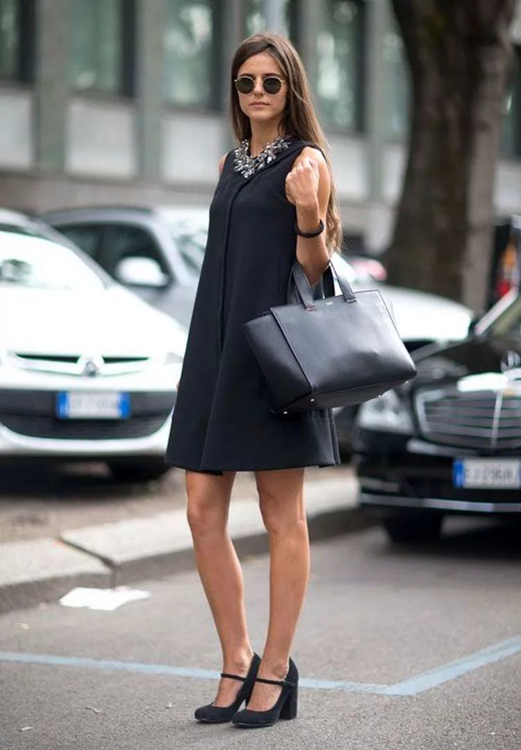 платья а силуэта и туфли