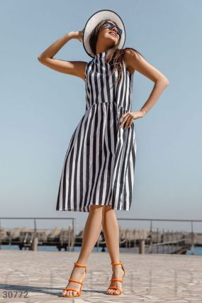 Свободное платье в полоску