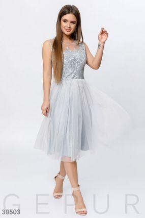Объемное платье с декором