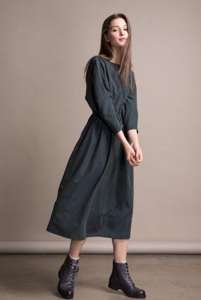 Платье Черешня с открытой спиной изумрудного цвета (42-44)