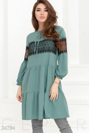 Романтичное многоярусное платье