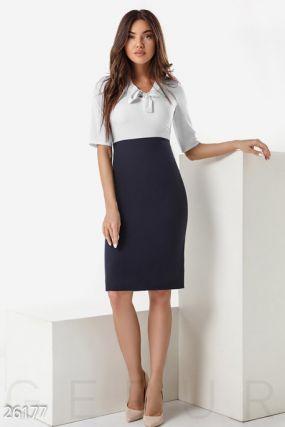 Облегающее деловое платье