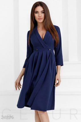 Эффектное платье на запáх