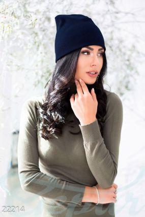 Удобная вязаная шапка