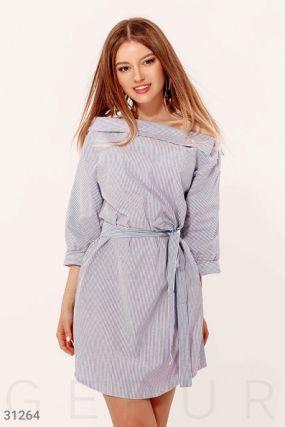 Полосатое платье с поясом
