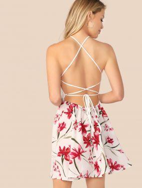 Платье с узлом и халтером