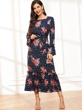 Платье в горошек с поясом и цветочным принтом