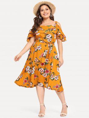 Большое платье с розеткой и с открытыми плечами