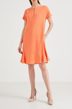 Оранжевое платье с коротким рукавом