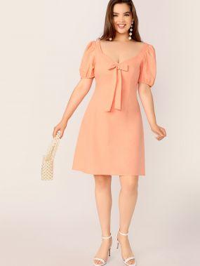 Однотонное платье с оригинальным рукавом и узлом размера плюс