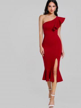 Модное платье годе на одно плечо с вырезом