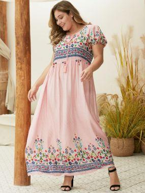 Полосатое длинное платье с цветочной вышивкой размера плюс