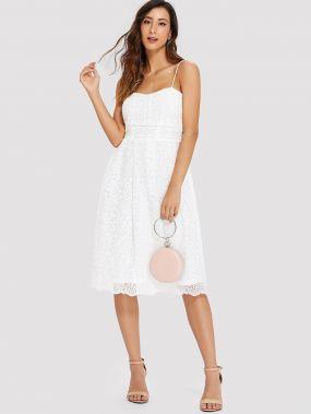 Платье бандо с кружевами