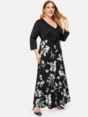 Размера плюс платье с графическим принтом и глубоким v-образным вырезом