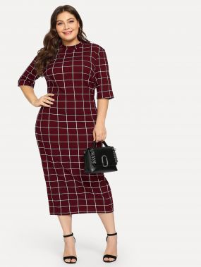 Клетчатое платье со стоячим вырезом размера плюс