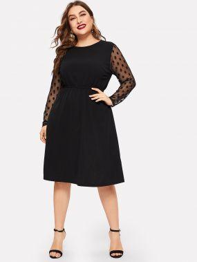 Размер плюс приталенное расклешенное платье с прозрачными рукавами в горошек
