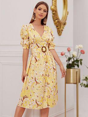 Расклешенное цветочное платье с пышными рукавами