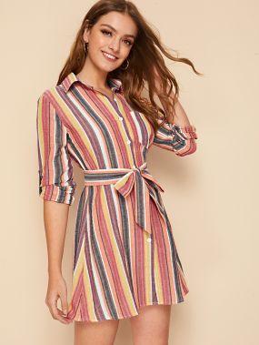 Разноцветное полосатое платье-рубашка с карманом