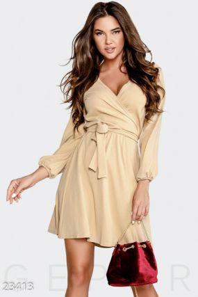 Нежное женское платье