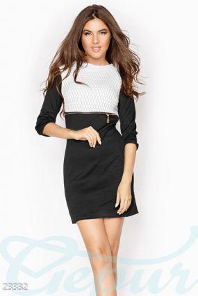Контрастное платье-мини