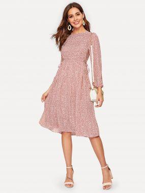 Платье с пуговицами сзади и цветочным принтом