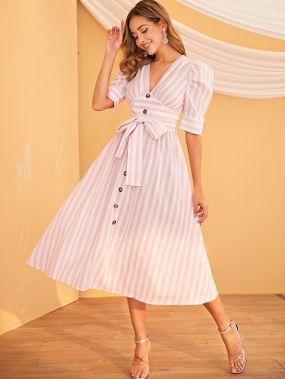 Платье в полоску с пышными рукавами и поясом