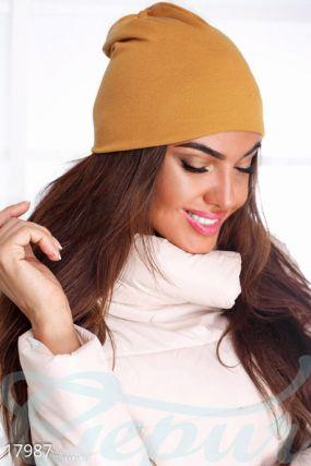 Лаконичная женская шапка