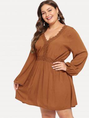 Размер плюс платье с контрастным кружевом
