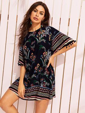 Цветочное платье с племенным принтом и помпоном