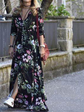 Макси платье с цветочным принтом с глубоким вырезом