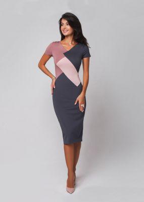 Модное платье-футляр с контрастными вставками 180501