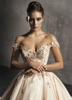 Свадебное платье из фатина с вышивкой 18536