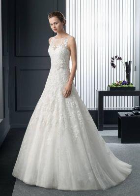 Свадебное кружевное платье с цветком ROSA CLAR? 8A19