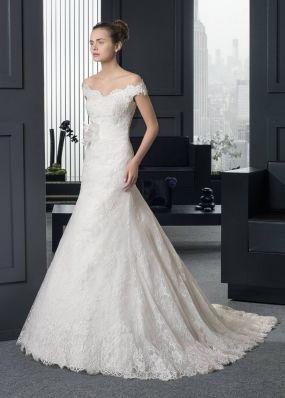 Кружевное платье с шлейфом ROSA CLAR? 8A91