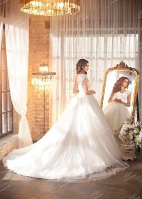 Свадебное платье с пышной юбкой IK005Y1